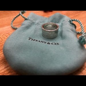 Tiffany &co note ring